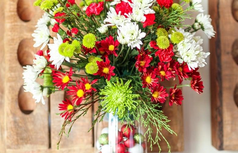 easy christmas flowers arrangement