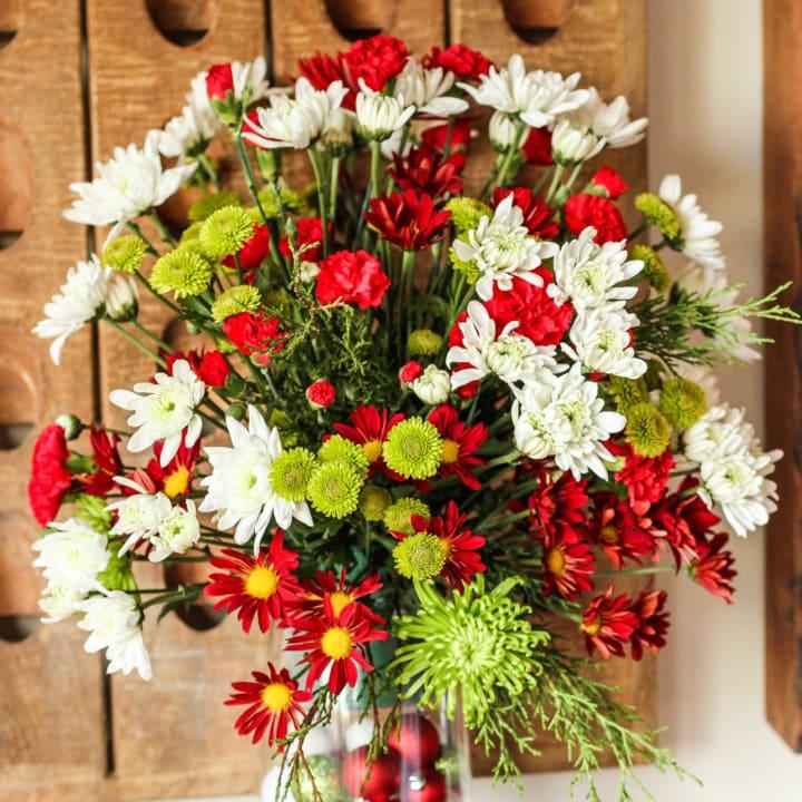 10-Minute Easy Flower Arrangement
