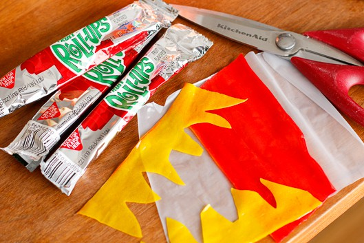 making fruit roll-ups flames for olympic torch cupcakes