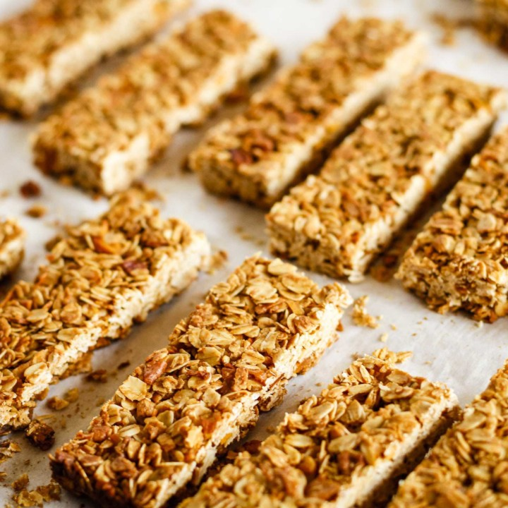 Homemade Granola Bars -- these crunchy homemade granola bars are a tasty and healthy snack... Customize the dried fruits and nuts to make them your own! Plus 4 more fab after school healthy snacks. | healthy granola bars | granola bars recipe | crunchy granola bars | easy granola bars | find the recipe on unsophisticook.com