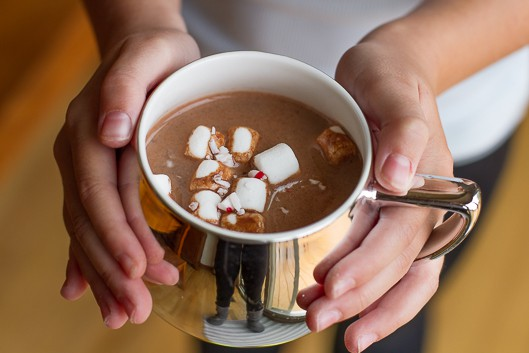 Hot Chocolate Mix -- with a beautiful layered presentation, this homemade hot chocolate mix recipe is a fantastic gift idea! Perfect as a teacher gift, thank you gift, hostess gift, etc... | via @unsophisticook on unsophisticook.com