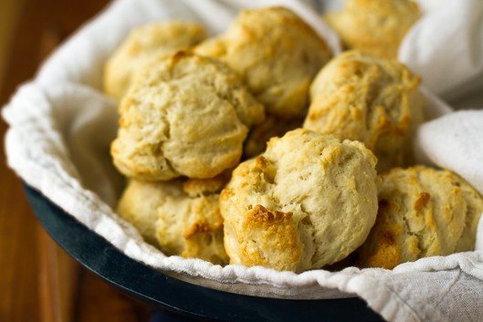 2-Ingredient Cream Biscuits -- these flakey and tender biscuits are totally foolproof… Just two simple ingredients, one dirty bowl, and 15 minutes total to prep and bake! Must try ASAP recipe!!! | via @unsophisticook on unsophisticook.com