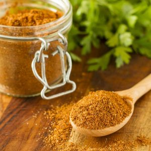 Homemade Organic Taco Meat Seasoning -- once you try this DIY taco seasoning recipe, you'll never go back to the icky processed store bought version again. Easy, less expensive than store bought and preservative-free! | unsophisticook.com