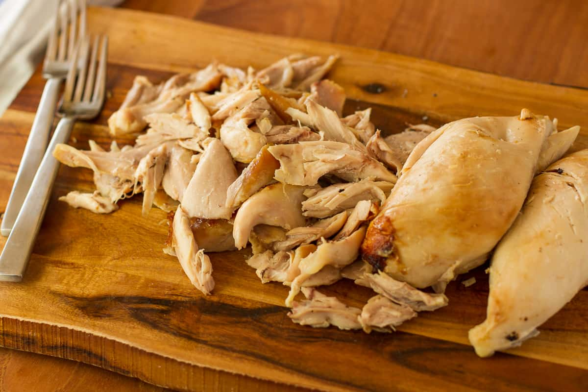 How To Shred A Rotisserie Chicken -- these tips will make shredding a rotisserie chicken quick, easy and less messy! Shredding your own rotisserie chicken saves you money and gets dinner on the table in a flash… | via @unsophisticook on unsophisticook.com