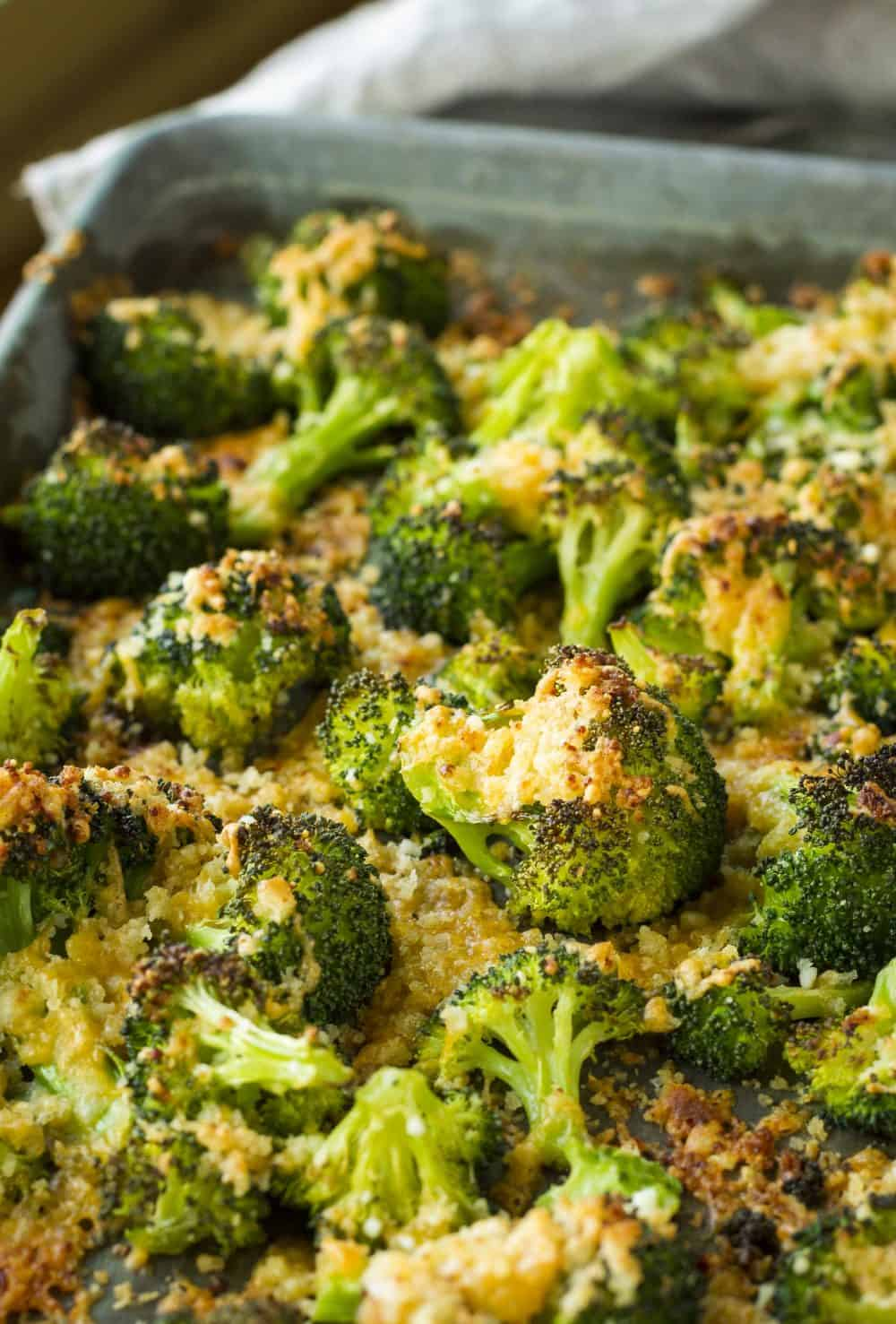 This quick and easy crispy cheesy broccoli gratin features crispy, caramelized broccoli florets topped with a panko cheddar parmesan mixture that's out of this world… Have it on your dinner table in under 20 minutes!