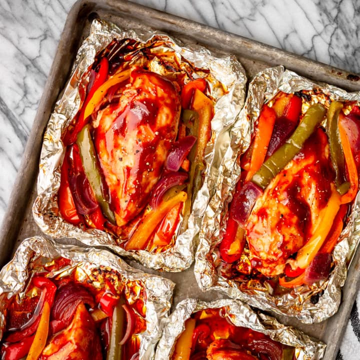 chicken foil packet recipe with peppers and onions