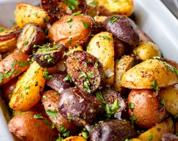 Crispy Roasted Garlic Ranch Potatoes