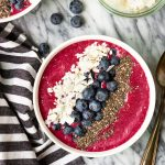easy smoothie bowl recipe made with 5 ingredients