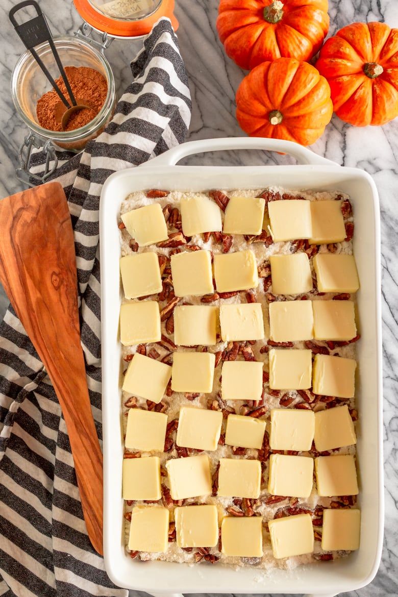 how do you make pumpkin dump cake with yellow cake mix and sliced butter