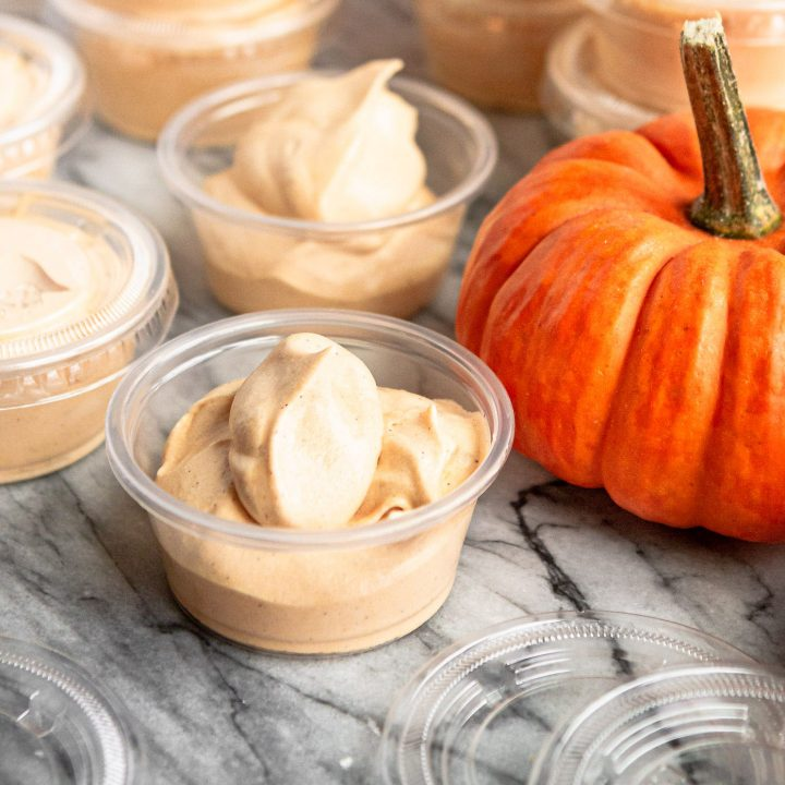 pumpkin pie pudding shots recipe in plastic cups with lids